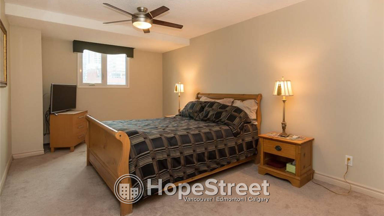 2 Bd + DEN Condo For Rent in Eau Claire: Utilities Included