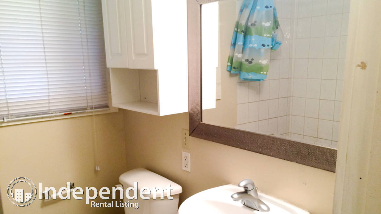 4 Bedroom Home In Southview: Pet Friendly