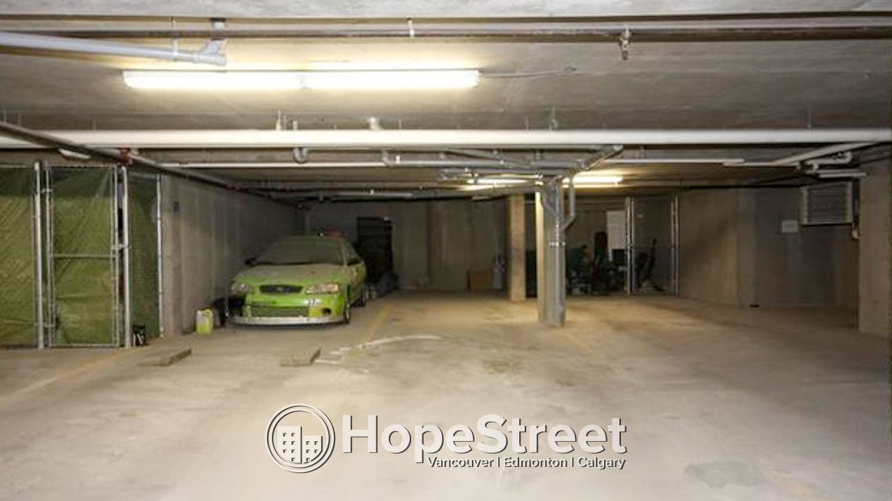 Gorgeous 2 Bedroom Condo for Rent in Queensland with TWO PARKING STALLS