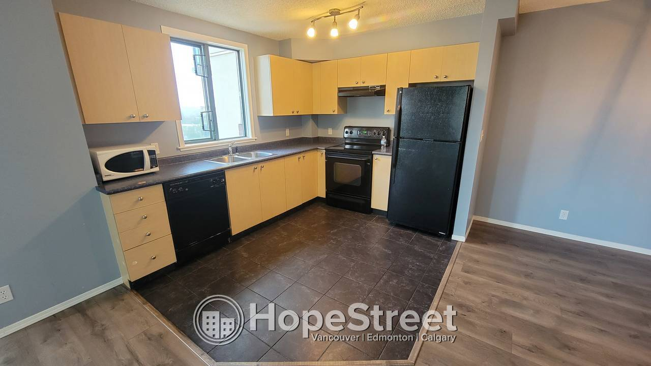 2 BR Condo for Rent in Downtown/ Pets Negotiable/ Heat & Water Included/ In-suite Laundry
