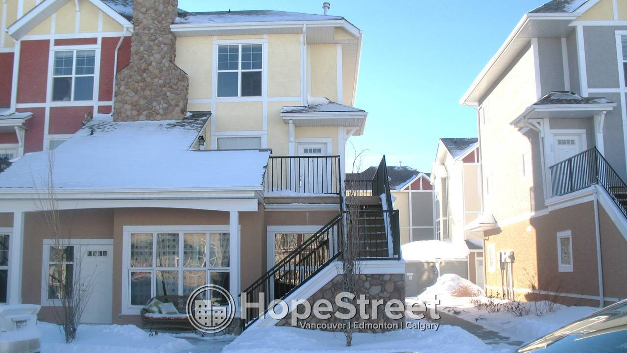 Gorgeous 2 Bedroom Condo in West Springs: Pet Negotiable