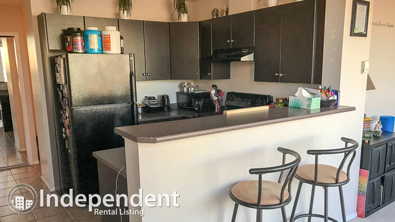 2 Bedroom Condo, Street Parking