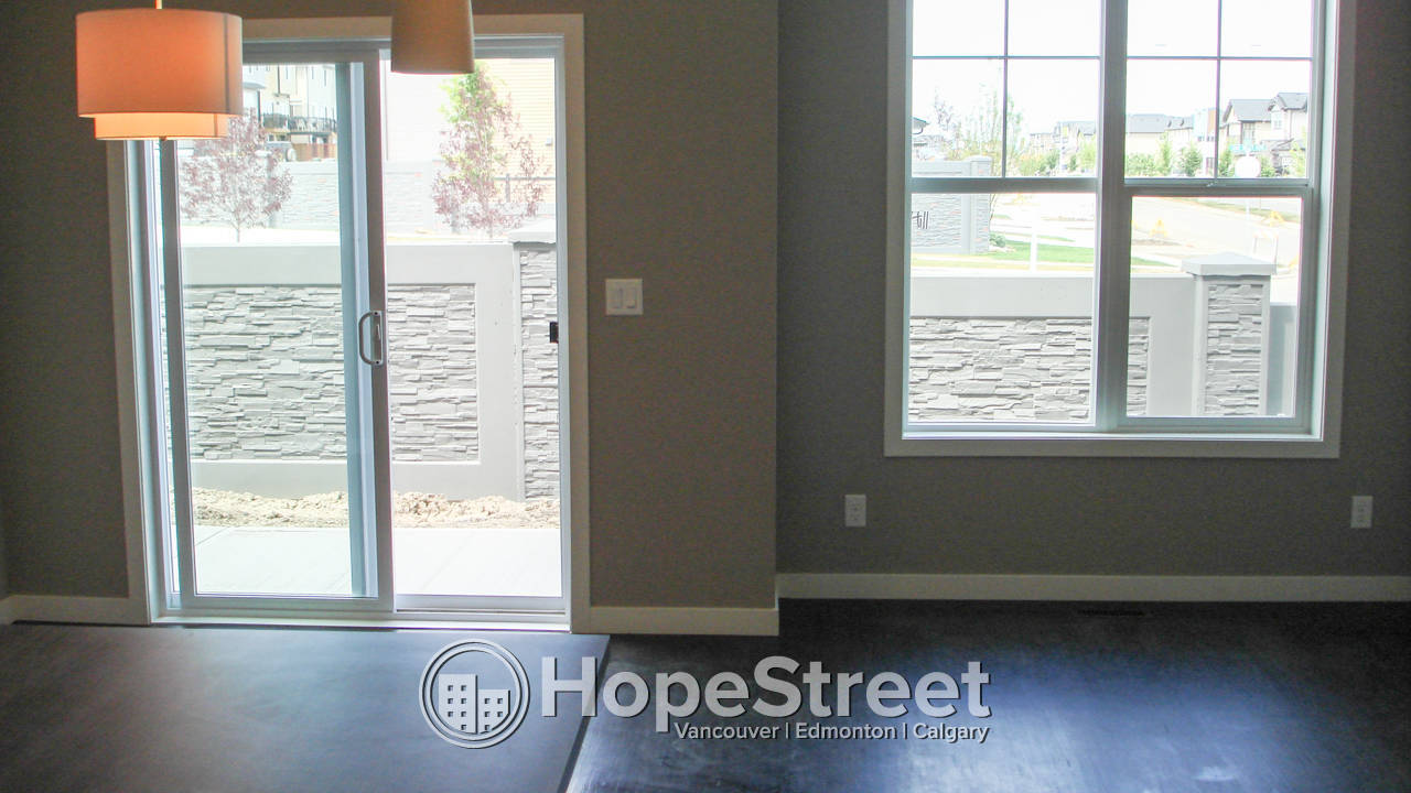 3 Bedroom Townhouse in Sage Hill w/ Attached Garage