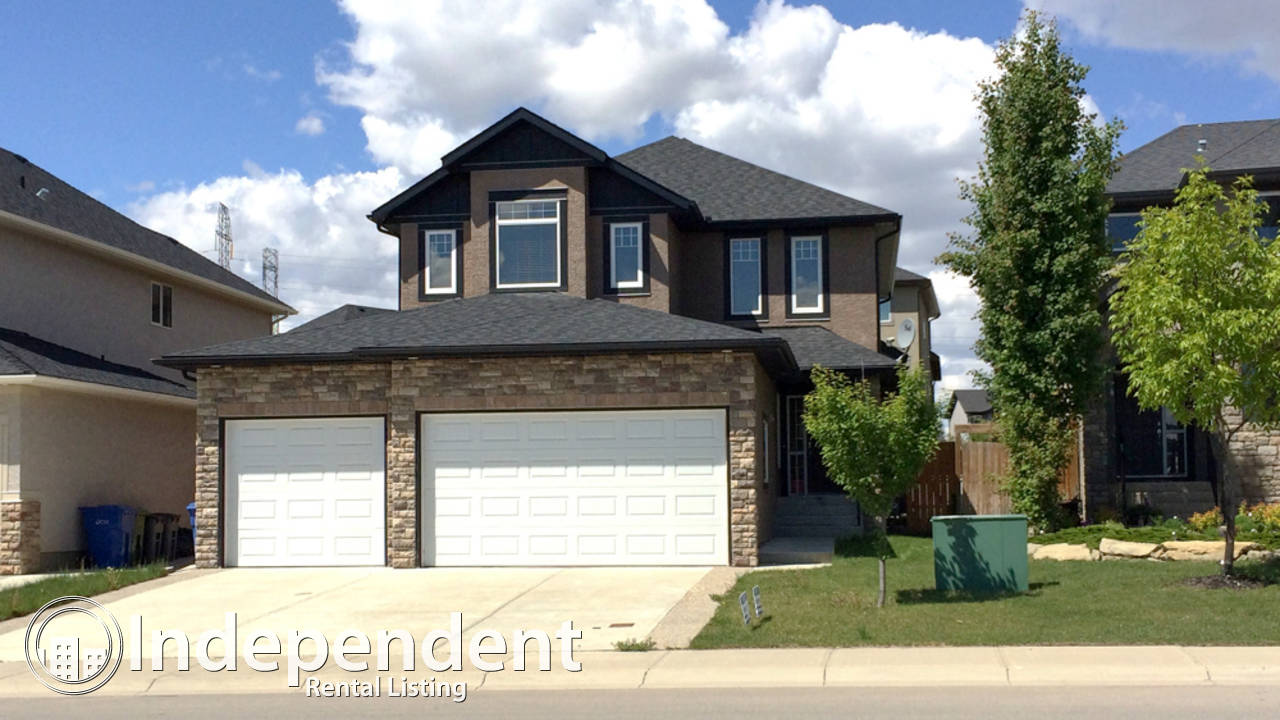 Beautiful 3 Bedroom House in Chestermere: Pet Negotiable
