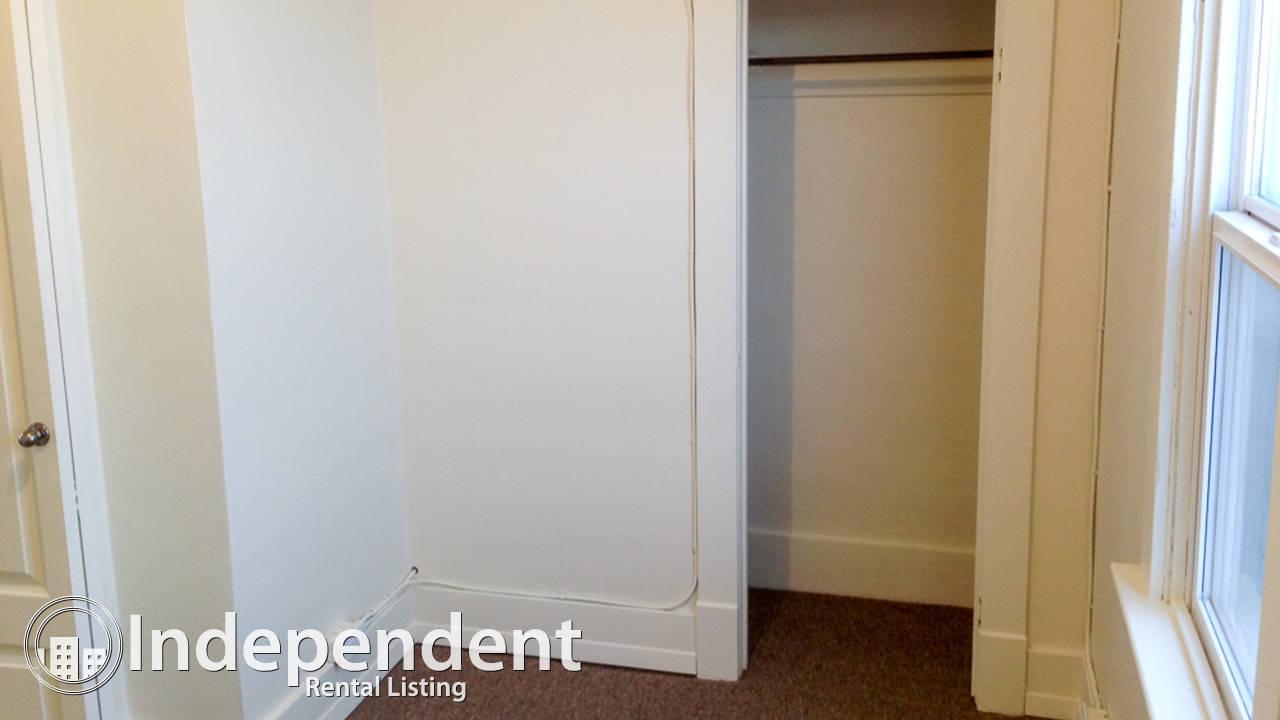 2 Bedroom Top Floor Unit in Tuxedo. Pets Negotiable & Utilities Included