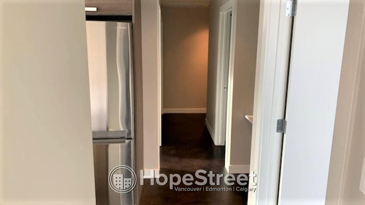 2 Bedroom STUNNNING Condo in Sunnyside: Heat & Water Included!