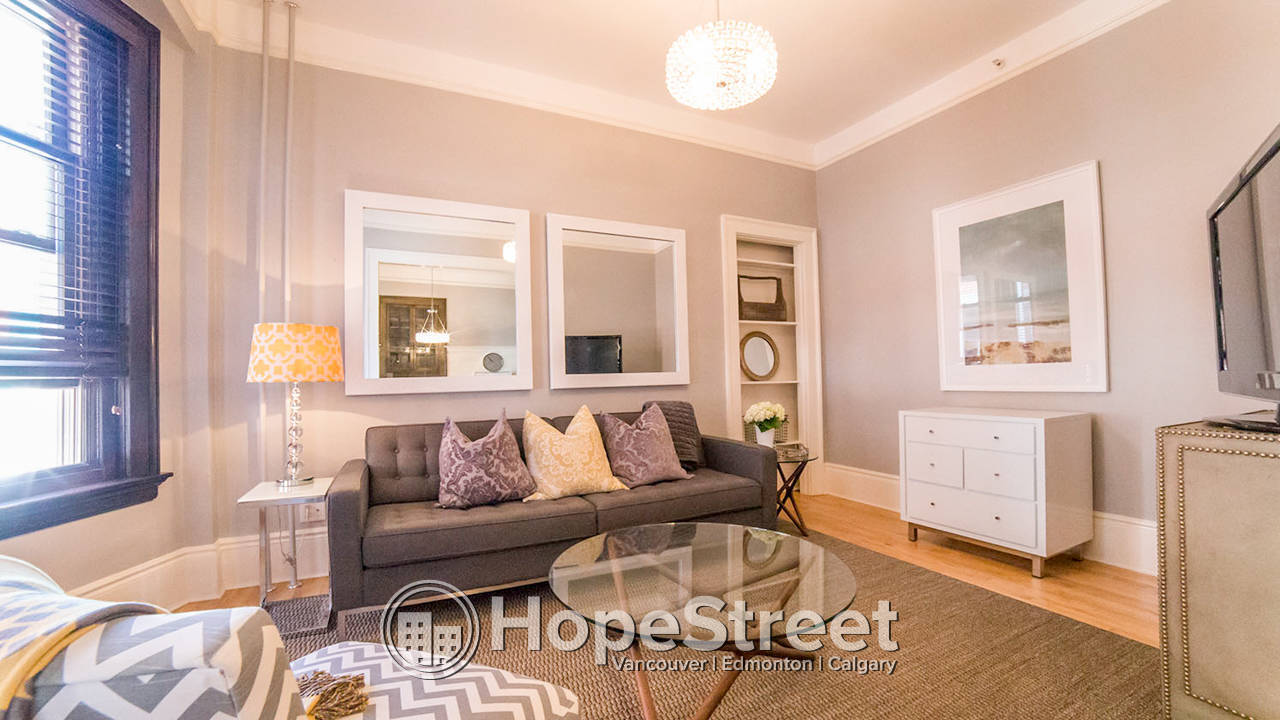 1 Bd Condo in Lower Mount Royal: Fully Furnished