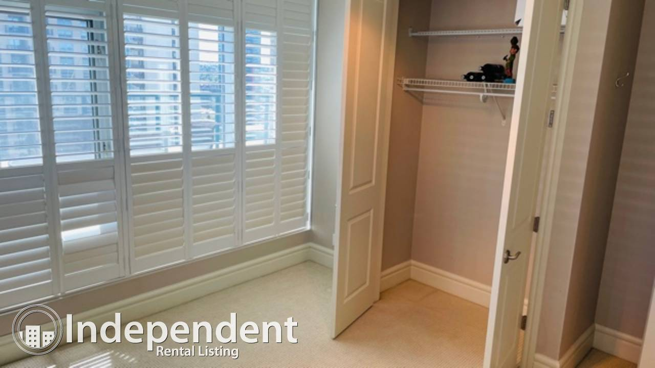 2 Bedroom Penthouse Condo in Downtown West End : 2 Parking Stalls!