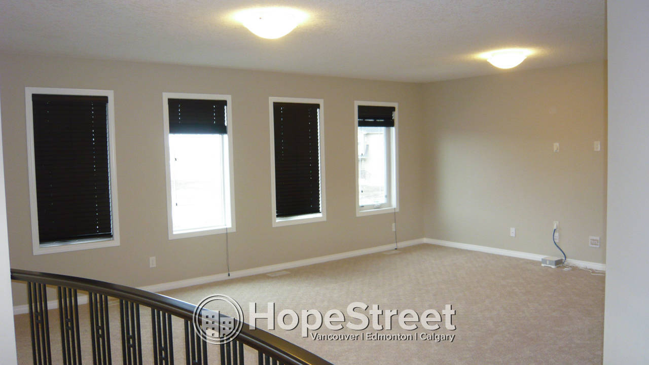 3 Bedroom House in Panorama Hills!