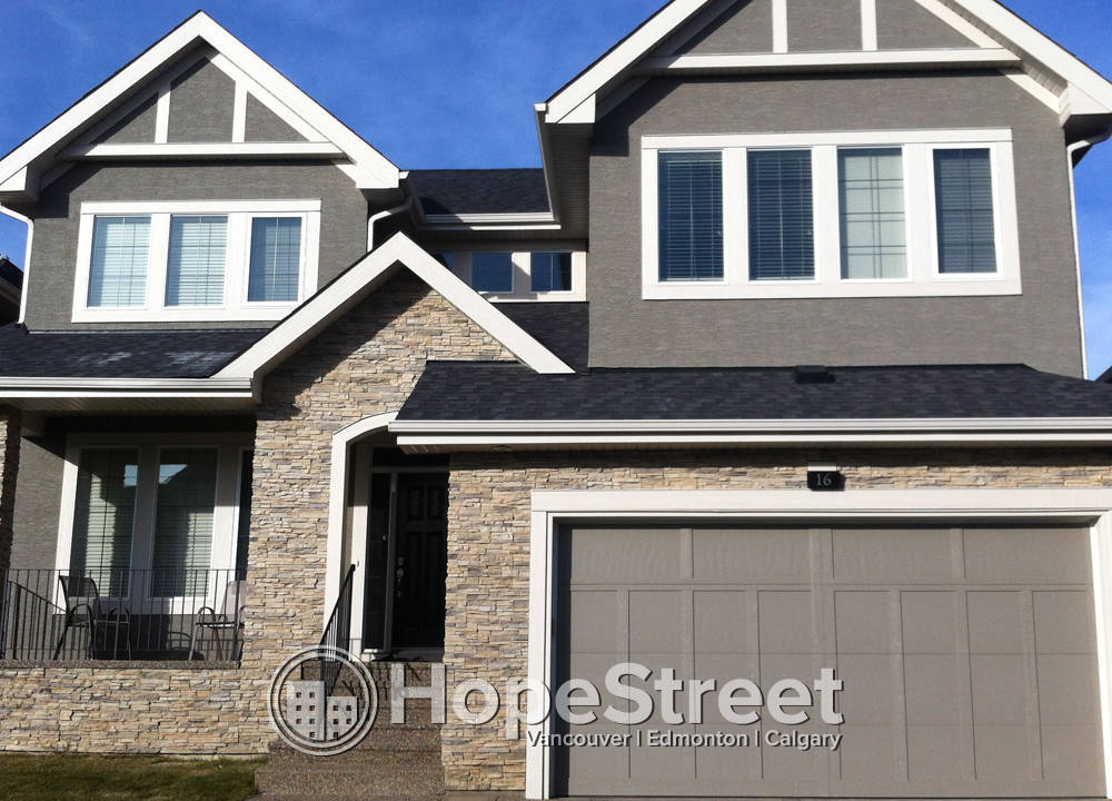 16 Westland Crescent SW, Calgary, AB - $2,800