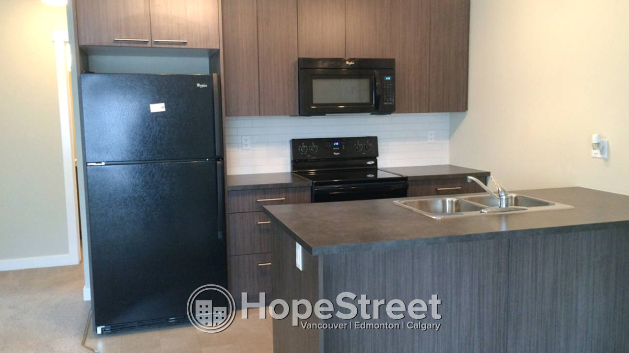 2 Bedroom Middle Suite in Chestermere: Pet Friendly