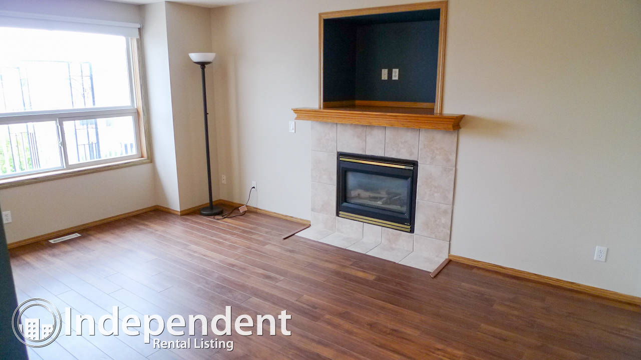 3 Bedroom House in Coventry Hills: Air Conditioned
