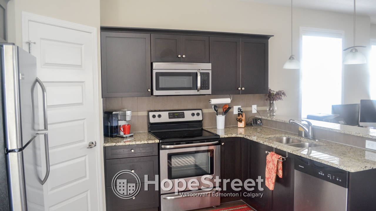 Beautiful 2 Bedroom Townhouse for Rent in Airdrie