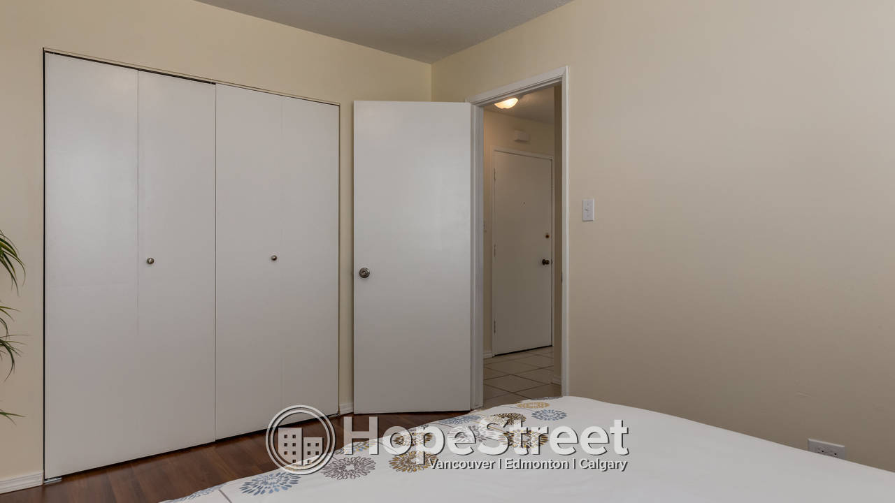 1 Bedroom Unit for Rent in Alice Place Apartments/ Heat & Water Included.