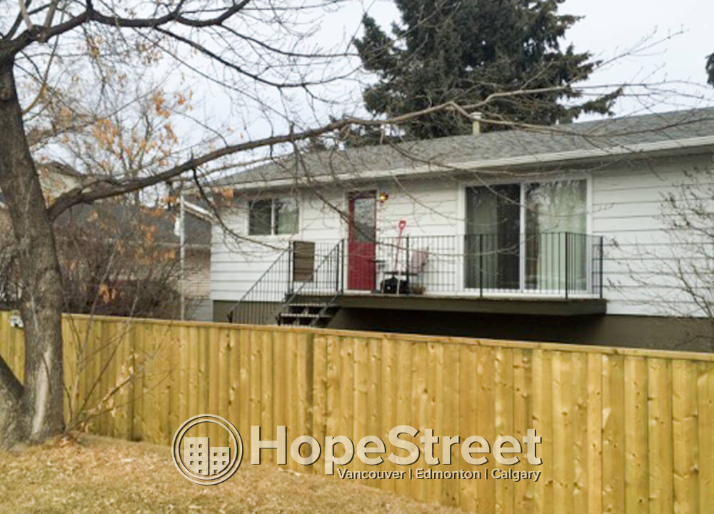 4612 83 Street NW, Calgary, AB - 1,700 CAD/ month