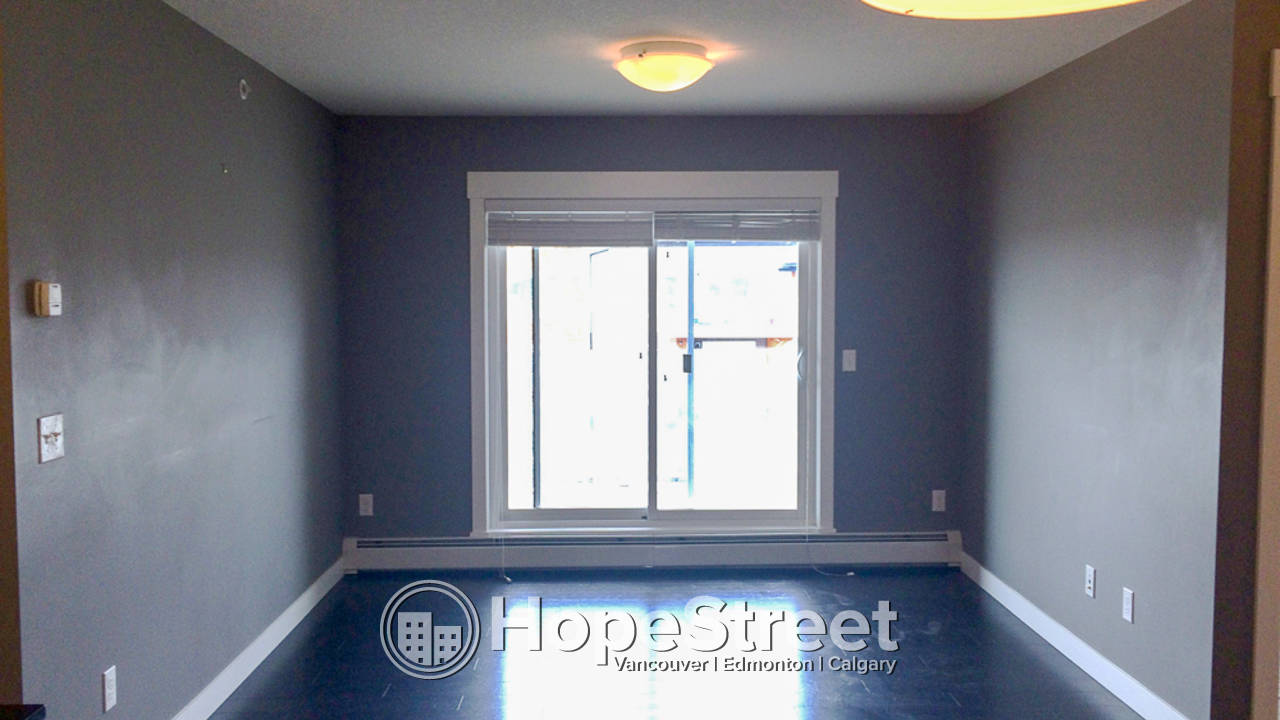 Top Floor 2 Br Condo for Rent in Skyview: Pet Negotiable