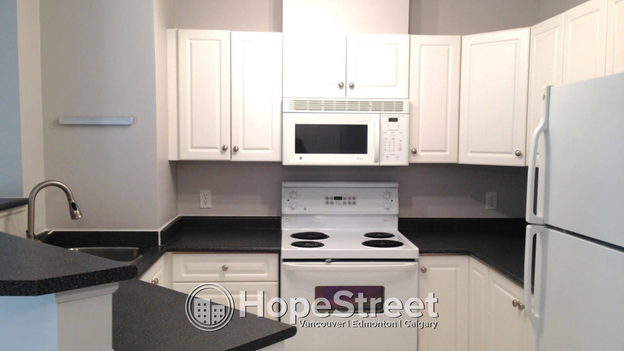 2 Br Condo for Rent in Somerset: Pet Negotiable & Utilities Included