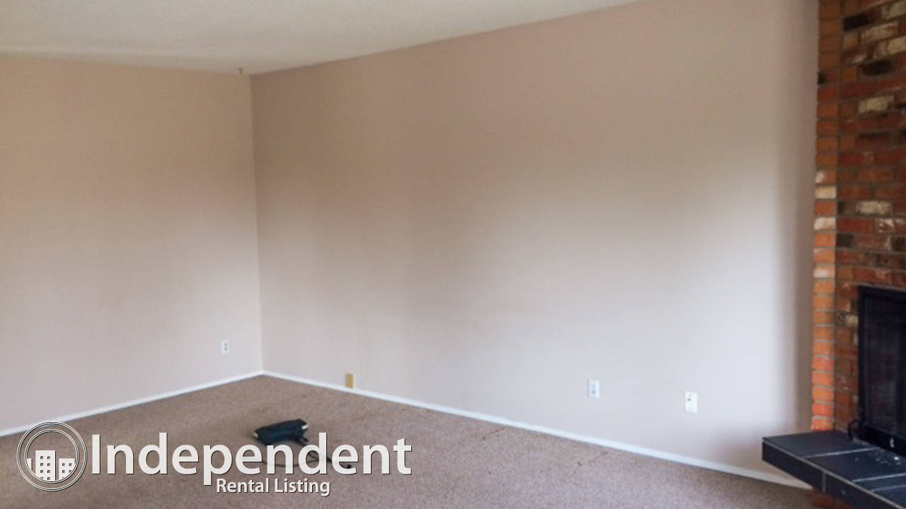 4 Br Duplex for Rent in Silver Springs: Pet Negotiable