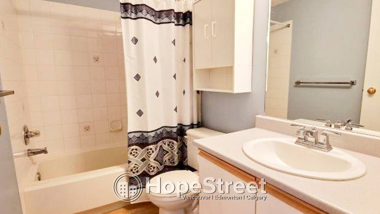 2 Bedroom + Den Condo For Rent in Arbour Lake: Pet Friendly