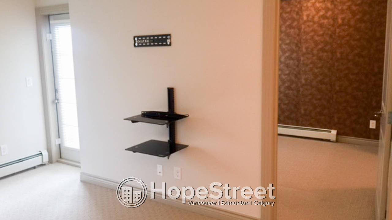 1 Bedroom Condo for Rent in Royal Oak