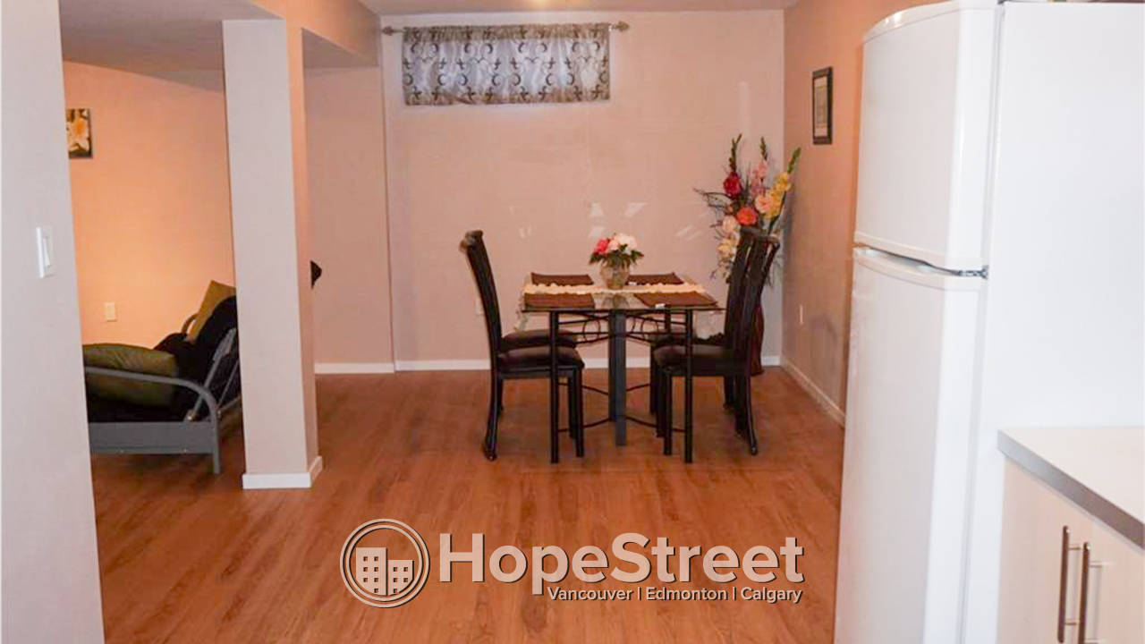 5 Bedroom House for Rent in Applewood