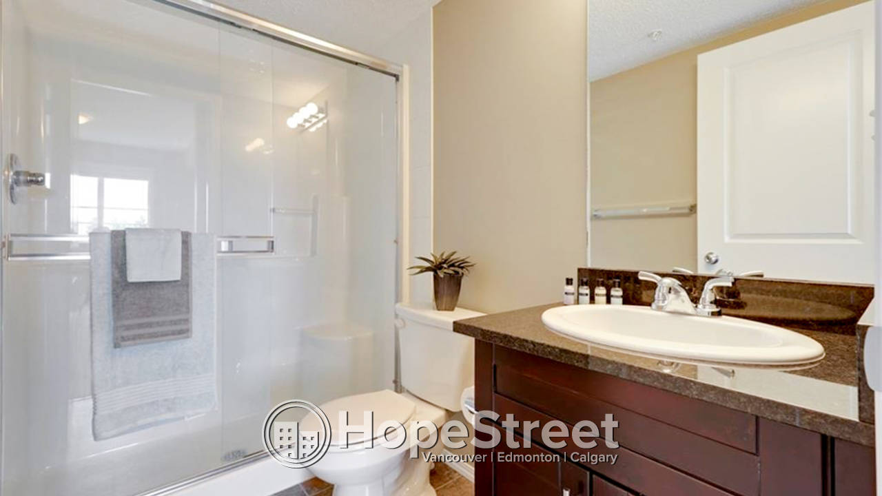 2 Bedroom + Den Condo for Rent in Albert Park