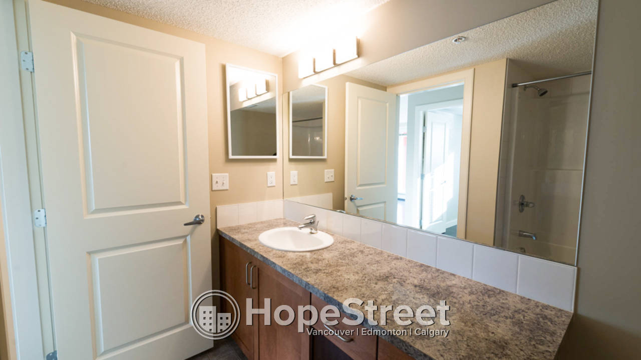 2 Bedroom Condo for Rent in Country Hills: Pet Friendly