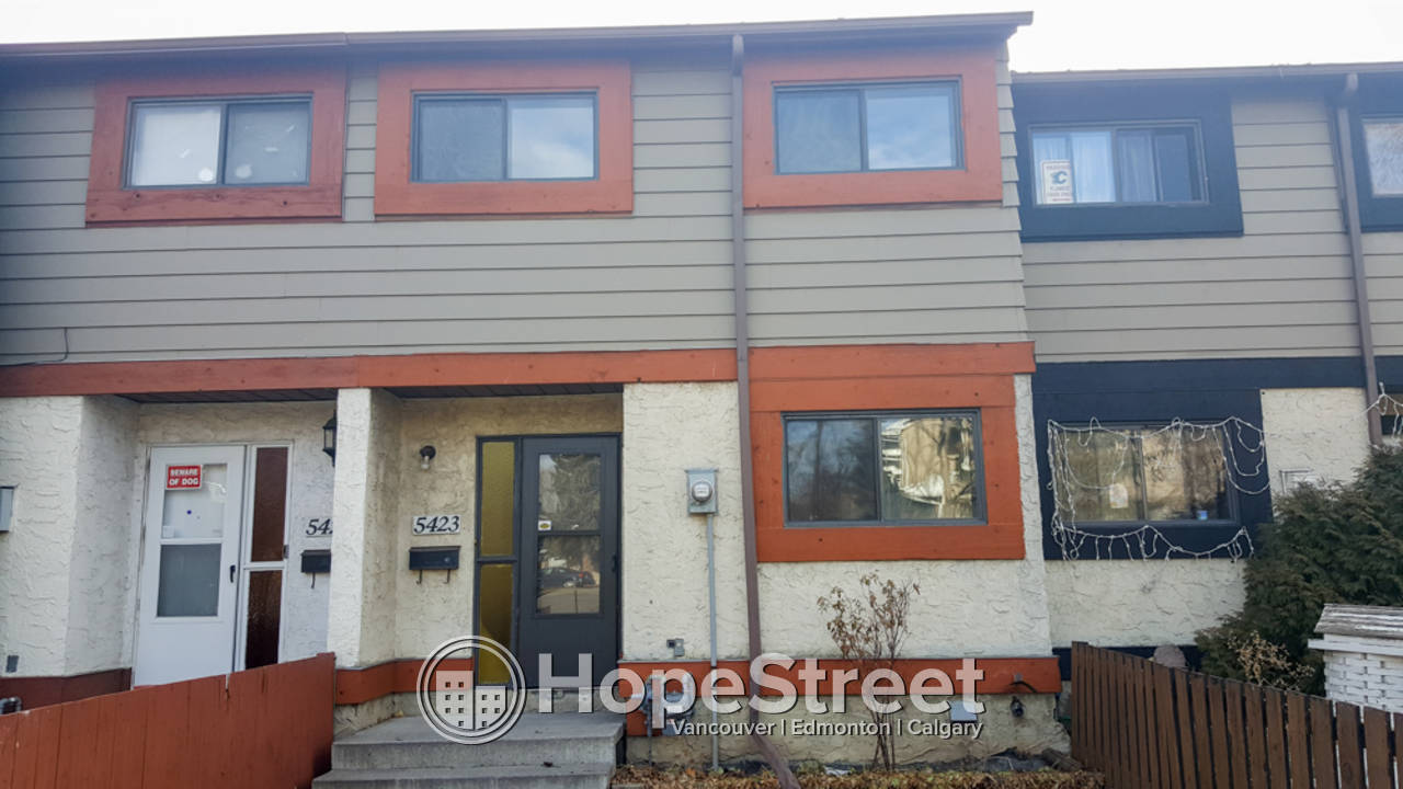 3 Bedroom Townhouse For Rent in Penbrooke