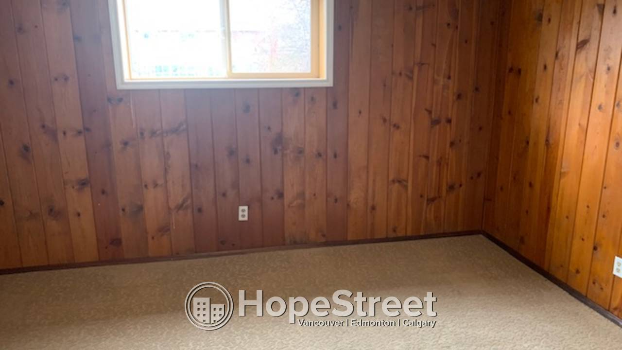 4 Bedroom Bungalow for Rent in Brentwood: Pets Negotiable