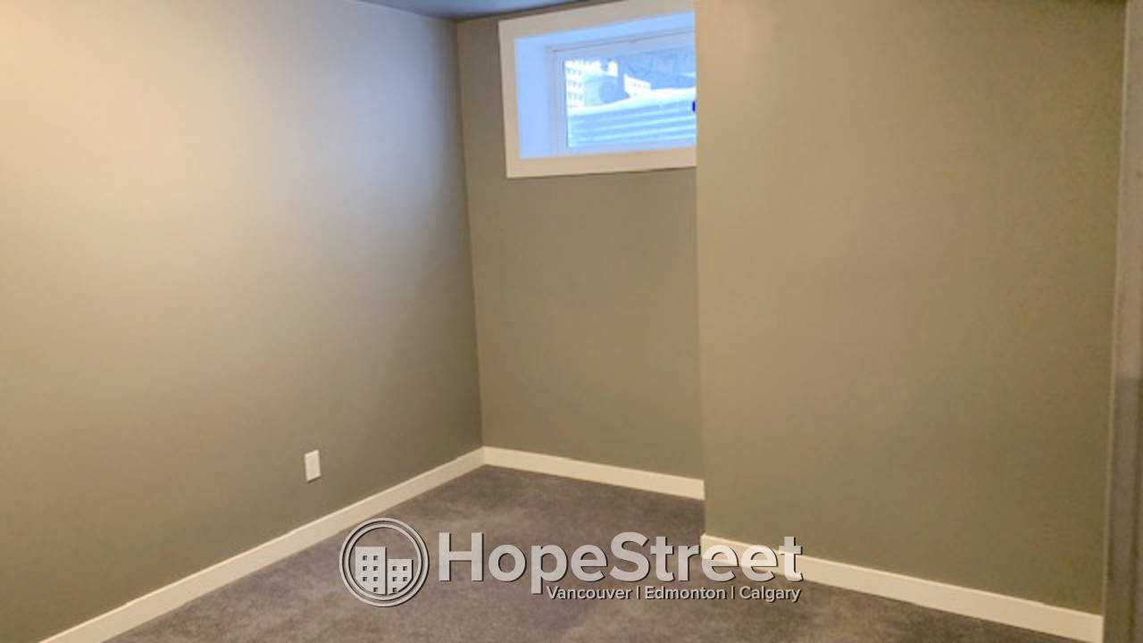 2+1 Bedroom Townhouse for Rent in Killarney: Pets Negotiable!