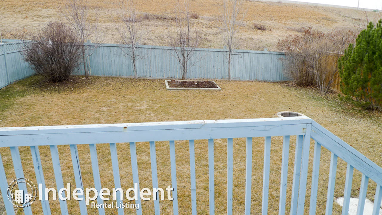 3 Bedroom House for Rent in MacEwan Glen: Dog Friendly