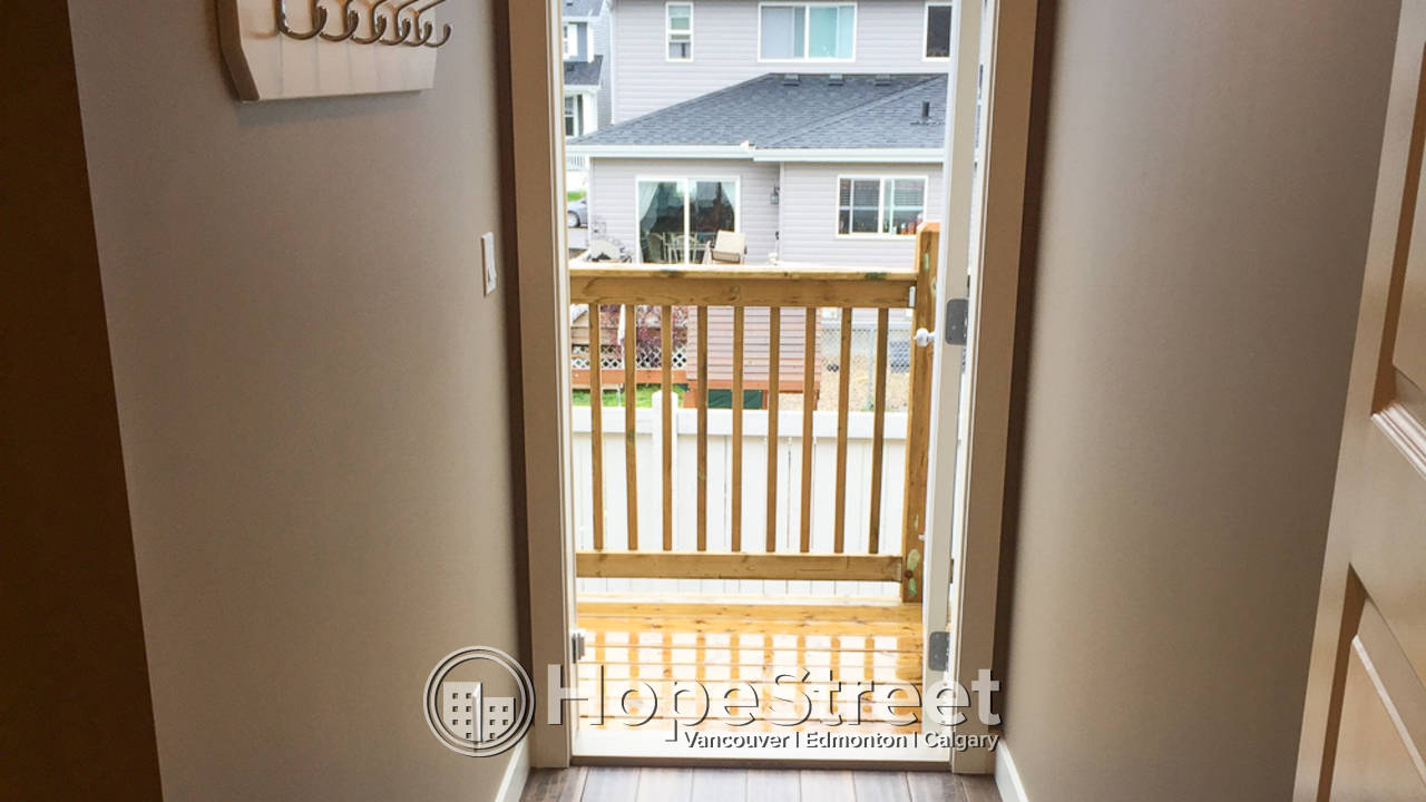 Newer 2 Bedroom Townhouse for Rent in Leduc: Dog Friendly