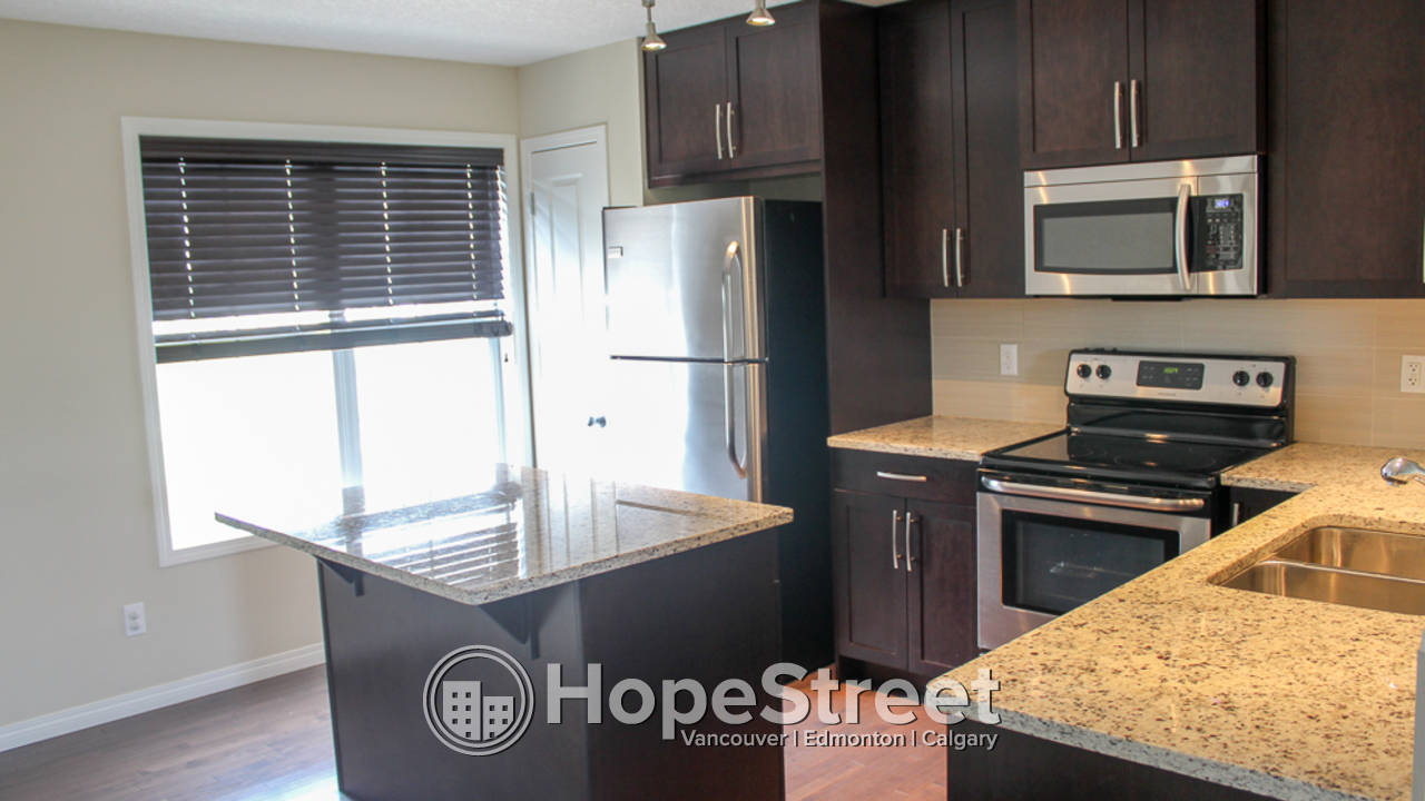 3 Bedroom Townhouse for Rent in Cranston