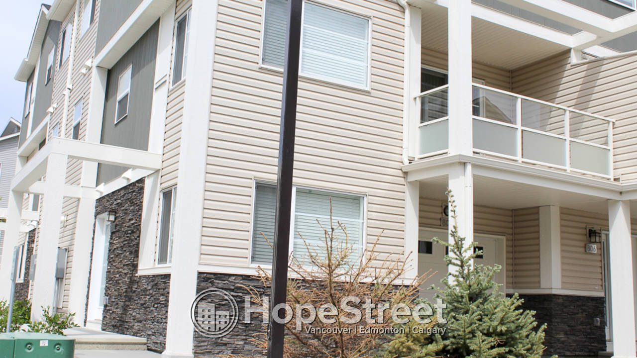 3 Bedroom Townhouse for Rent in Redstone: Pet Friendly