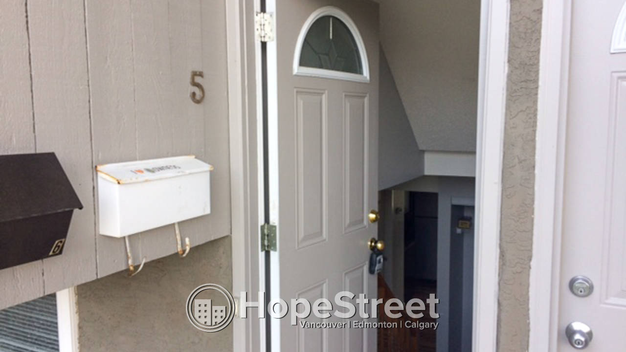 3 Bedroom Townhouse for Rent in Bowness: Pet Friendly