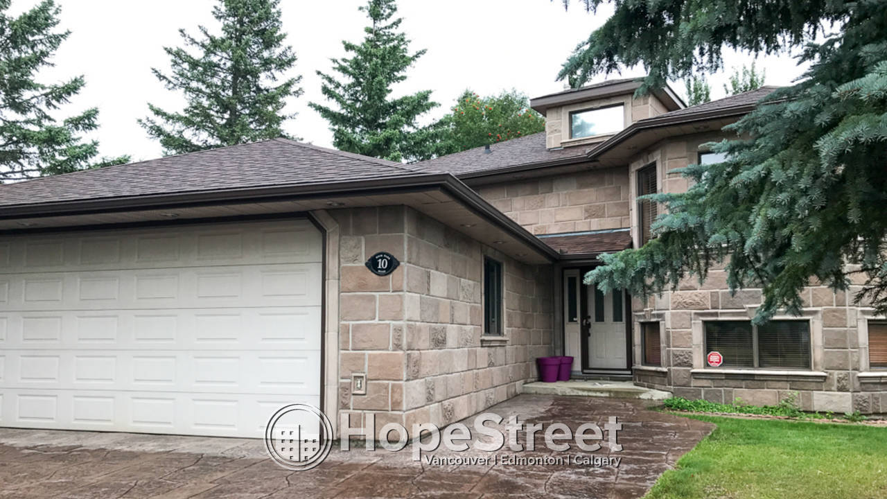 4 Bedroom Gem In Stony plain: 50% off First Month Rent: Pets Negotiable