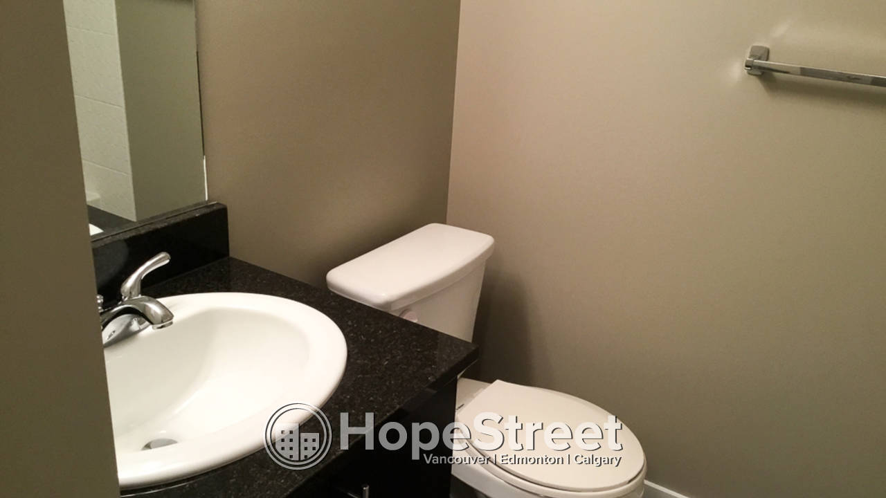2 Bedroom Condo for Rent in Legacy w/ undgr parking
