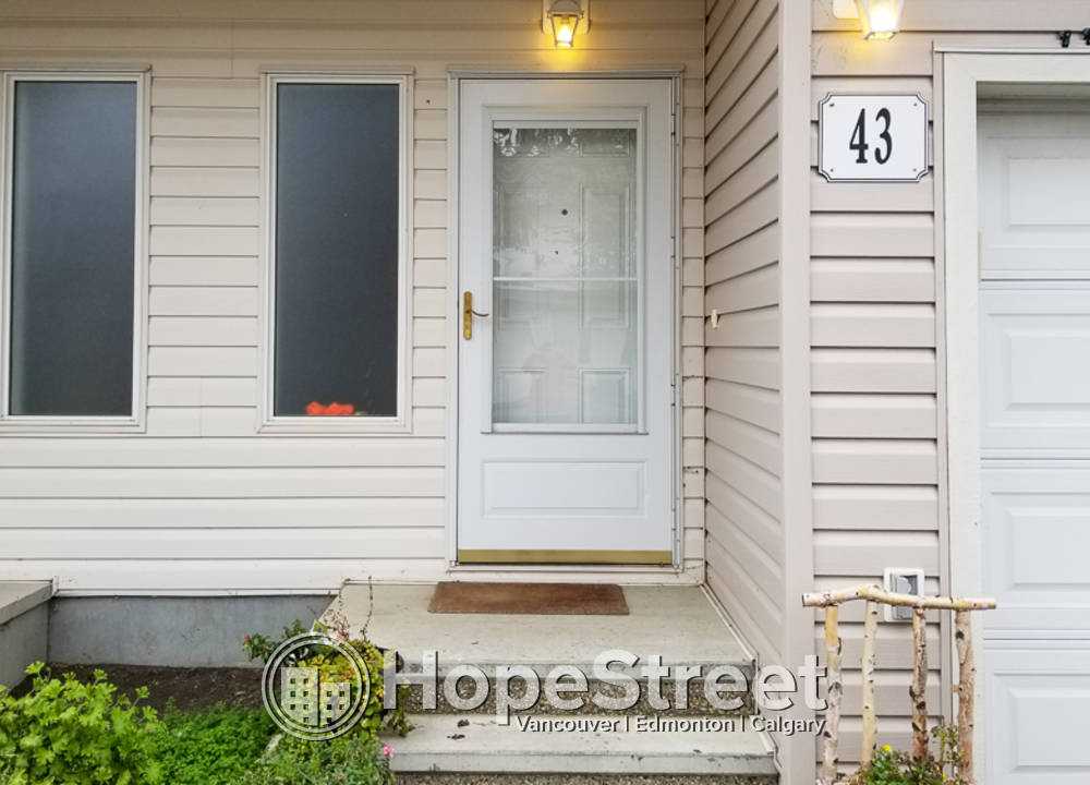 43 - 451 Hyndman Crescent NW, Edmonton, AB - $1,325 CAD/ month
