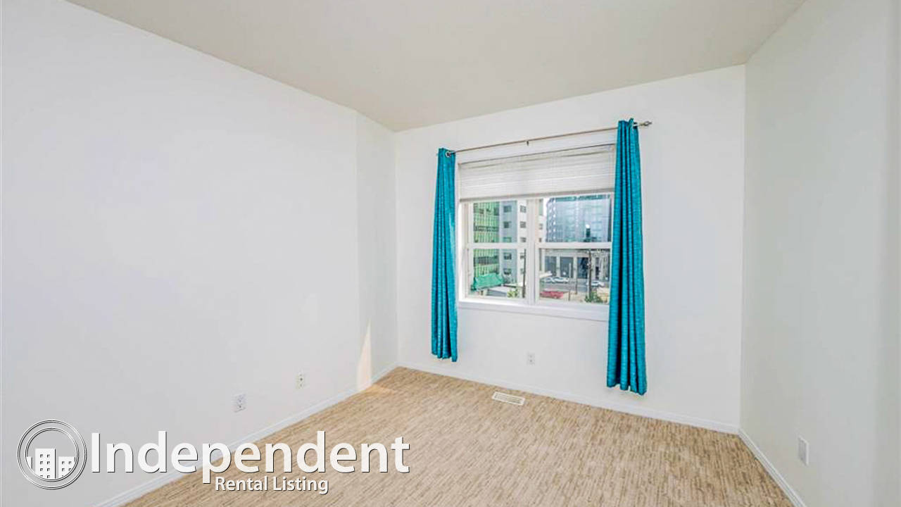 2 Bedroom Condo for Rent in Oliver: Cat Friendly