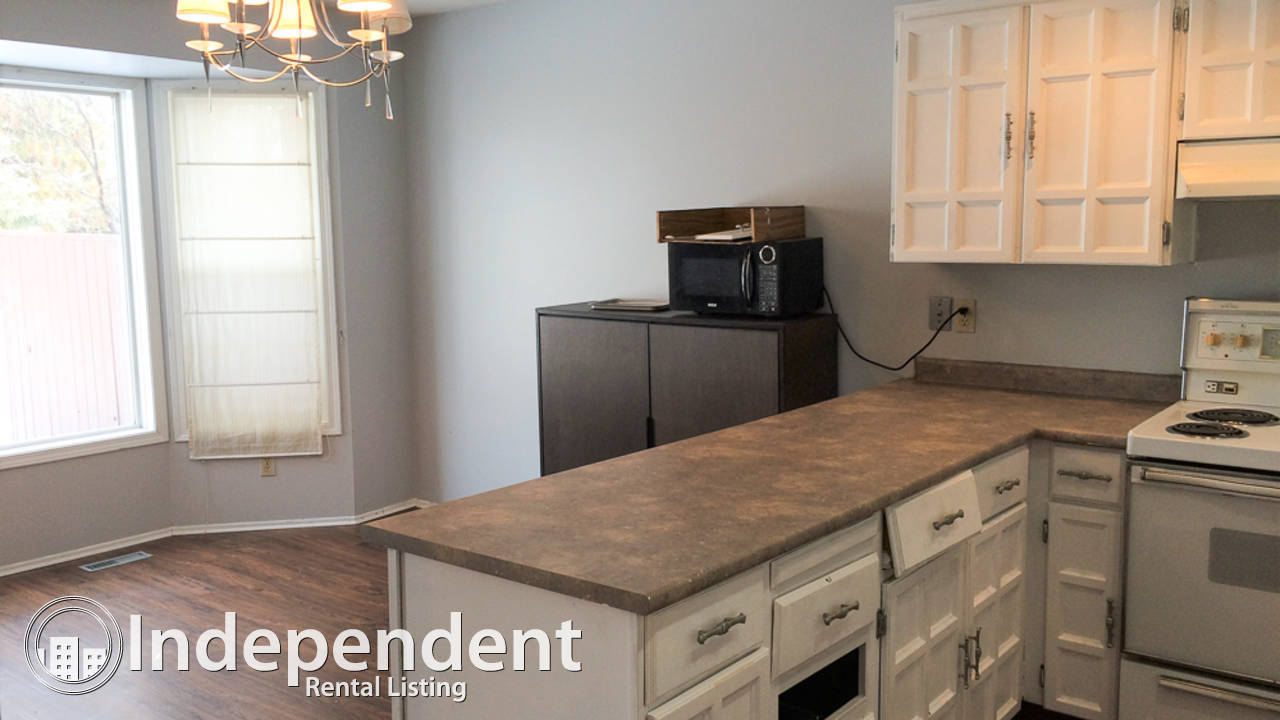 3 Bedroom Townhouse for Rent in Pineridge: Dog Friendly