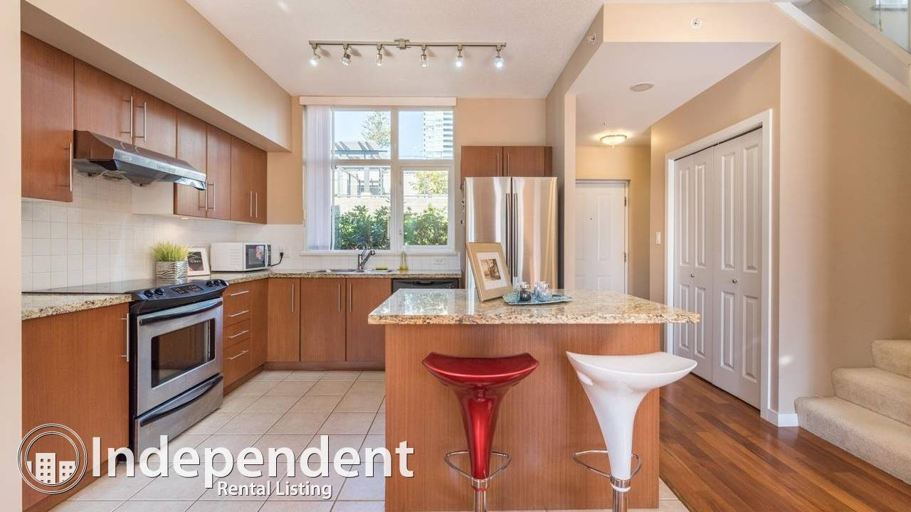 Great 3BED TH in near Brentwood mall