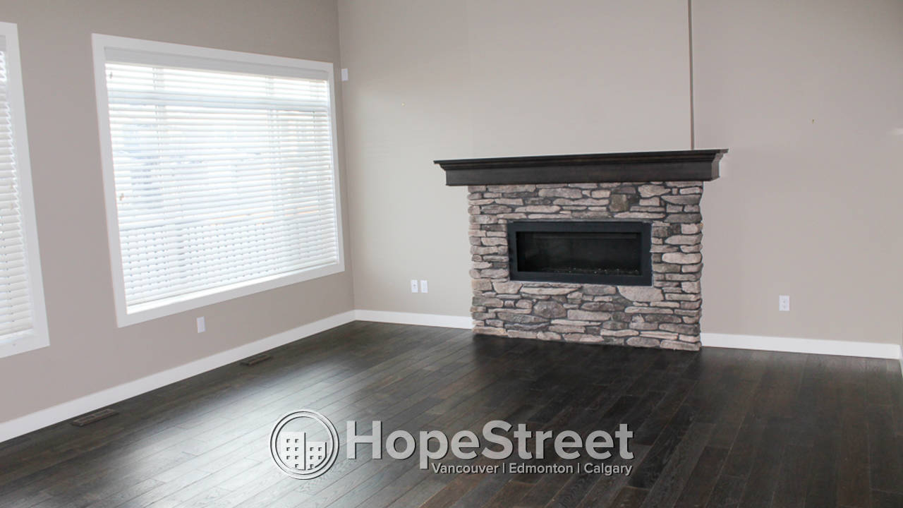 3 Bedroom House for Rent in Airdrie: Pet Friendly