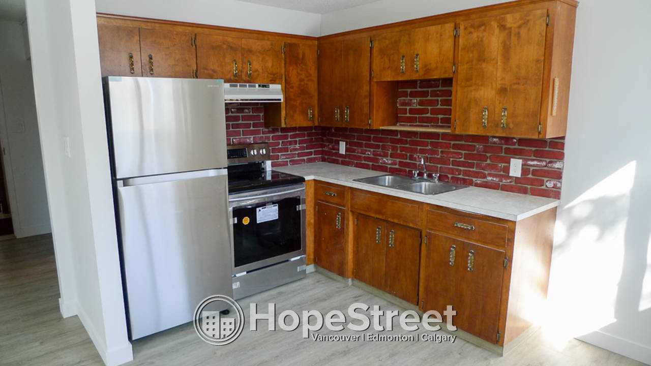 1 Bedroom Condo For Rent in Sunnyside: Utilities Included