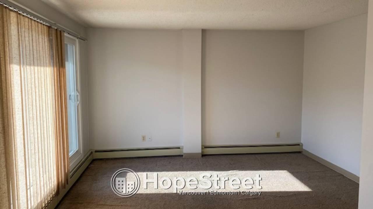 1 Bedroom Condo for Rent in Sunnyside/ Heat & Water Included.