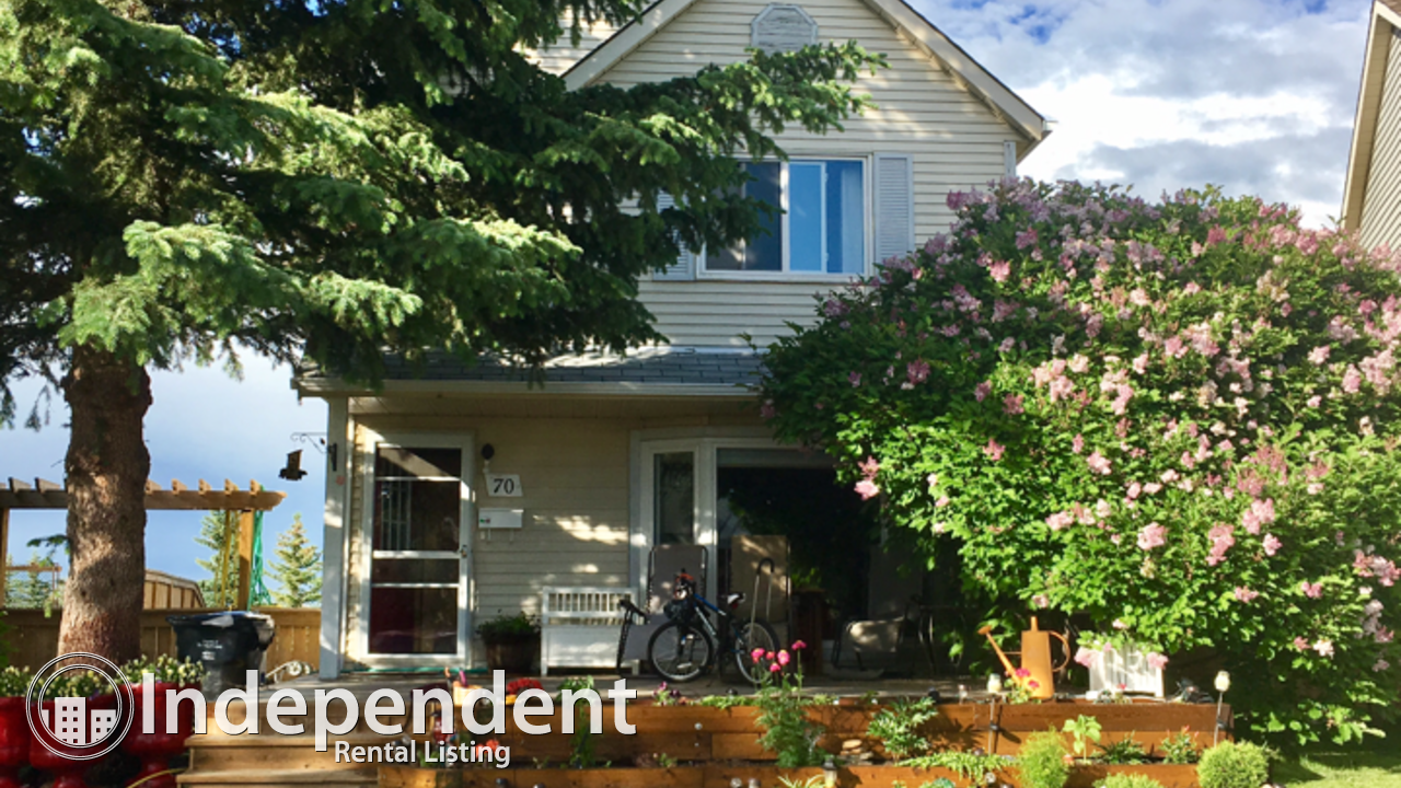 Fantastic home backing onto green space and fish creek