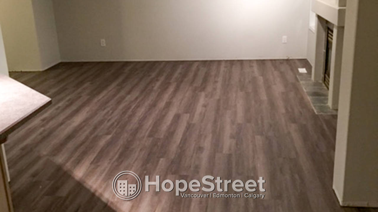 3 Bedroom House for Rent in St. Albert: Pet Friendly