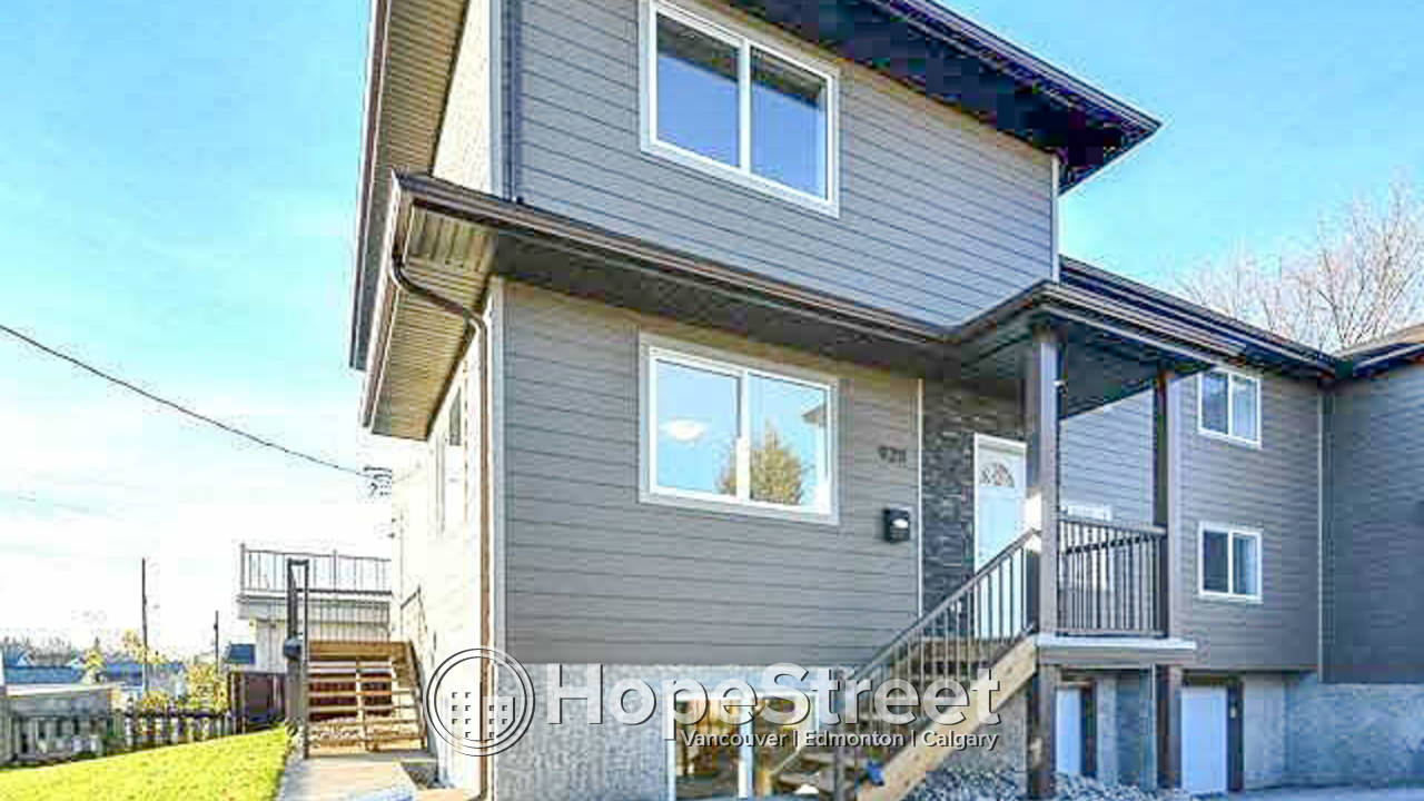 4 Bedroom Townhouse for Rent in Delton: Pet Friendly