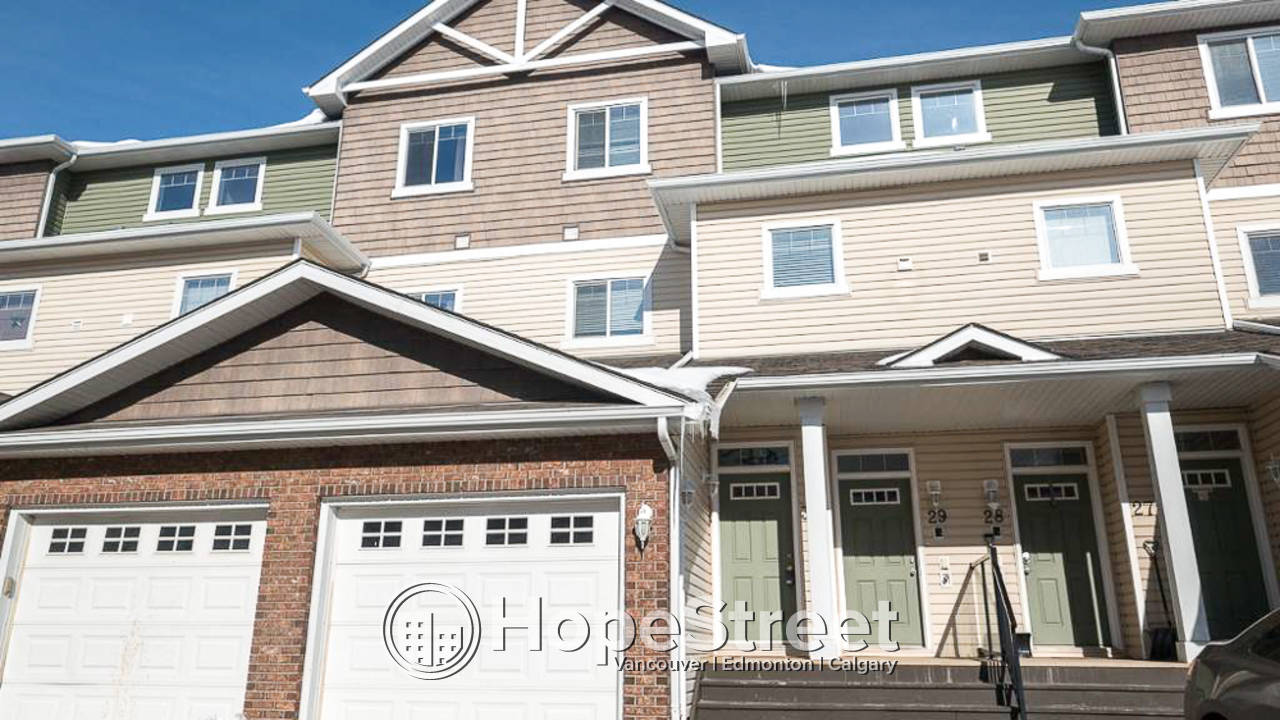 2 Bedroom Townhouse for Rent in Silver Berry: Pet Friendly