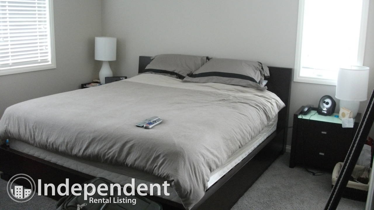 Beautiful Home in Aspen Woods - 4 BDRM plus Den, 3.5 BTHRM