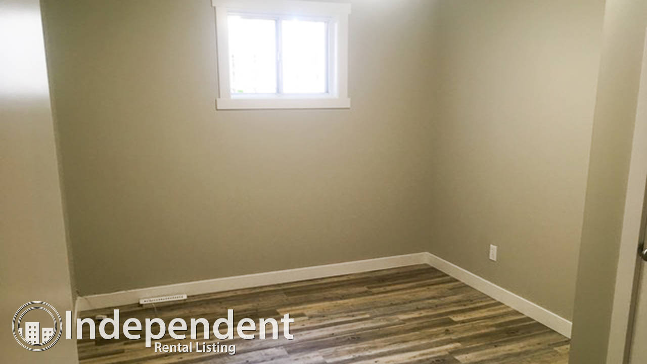 Renovated 5 Bedroom + Den Bungalow for Rent in Allendale